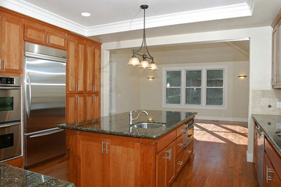 1567-Clear-Ridge_Kitchen2