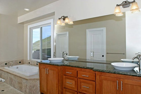 1567-Clear-Ridge_MasterBath
