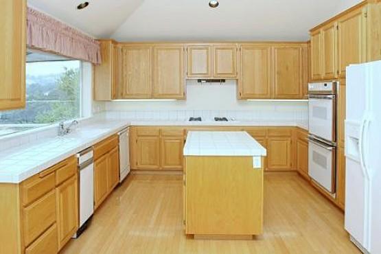 5712 Fairway Knolls_Kitchen