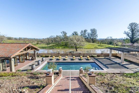 Fabulous Wine Country Lake & Vineyard Estate